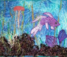 ❤ the concept . The seaweed is yarn sewn into a patch with water-soluble interfacing. The fan coral is painted cheesecloth; the white coral is hand-beaded. Water Soluble Fabric, Rooster Tail, Fan Coral, Fabric Yarn, Fish Art, Applique Quilts, Quilt Making, Amazing Art, Moose Art
