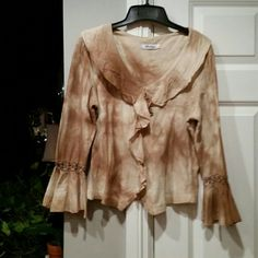 Younique shades of sand Boho style Sexy top Younique shades of sand and Tans make this top so stunning and Sexy, has fine crochet detail on sleeves. Beautiful perfect condition =)  #greatdeal #hotlook #UwilllookMarv #Classylook #Sassy #sweetnsexy #strikinglyBeautiful #uniqueisgreat Younique  Tops Blouses