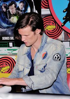 Matt Smith is to cute for his o e n good