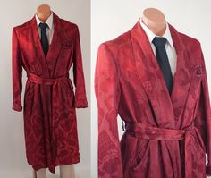 Vintage 1930s 1940s Jacquard Maroon Mans Robe Dressing Gown Sz M C44 by alleycatsvintage on Etsy