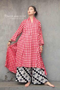 Batik Fashion, Abaya Fashion, Kebaya Modern Dress, Batik Kebaya, Blouse Batik, Abaya Style, Dressmaker, Traditional Clothes, Joggers