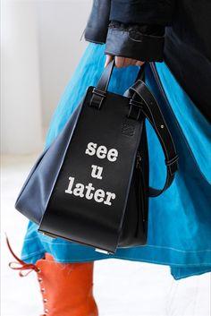 Stagione che viene, borsa (nuova) che arriva.  Sì, perché le bag addicted aspettano solo l'arrivo della prossima stagione per avere un valido m