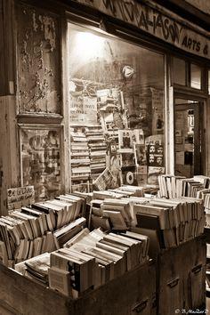 Paris - rue des Boulards Art Book Shop