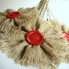 burlap flowers for a rustic Christmas tree Burlap Projects, Burlap Crafts, Holiday Crafts, Craft Projects, Diy Crafts, Burlap Flowers, Burlap Lace, Fabric Flowers, Hessian