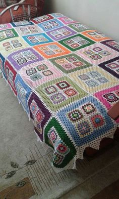 Crochet granny square blanket, unusual design in fours Crochet Bedspread, Crochet Quilt, Crochet Blocks, Crochet Home, Crochet Motif, Newborn Crochet Patterns, Crochet Blanket Patterns, Crochet Granny Square Afghan, Crochet Squares