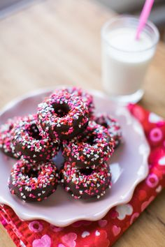 It's Valentine's Day already and what can be more romantic than a homemade,  decadent mouthful of CHOCOLATE? These mini donuts do the job well and not  only are they absolutely overwhelming, they're actually healthy too (no  need to tell everyone though - this is just a tip for you to keep your  resolutions)! Enjoy the video and recipe below to find out how to make  these Chocolate Baked Donuts: