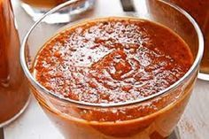 Aromatic and totally delicious, this homemade marinara sauce flavored with garlic and basil is a classic sauce recipe that can be used in so many ways! Ravioli Sauce, Easy Marinara Sauce, Easy Pasta Sauce, Tomato Pasta Sauce, Tomato Pesto, Homemade Marinara, Marinara Recipe, Chutney, Salsa Guacamole