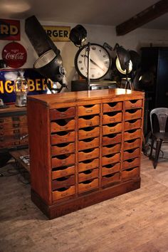 im on the hunt huge printers cabinet - PIPicStats Vintage Industrial Furniture, Antique Furniture, Cool Furniture, Reclaimed Furniture, Industrial Lamps, Pipe Furniture, Wood Projects, Woodworking Projects, Antique Cabinets