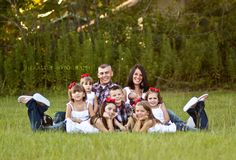 Family Photo: Large Family posing idea: Family of 9: Herald Photography: Great Falls, MT Photographer