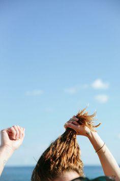 Madewell Spring 2014 x Erin Wasson. Dewey Skin, Colouring Pics, Erin Wasson, Frou Frou, Hair Raising, Beach Hair, Photoshoot Inspiration, Messy Hairstyles, Make You Smile