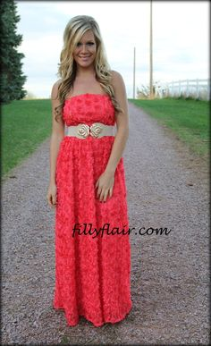 (http://www.fillyflair.com/queen-of-roses-coral-maxi/)
