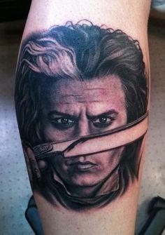 Johnny Depp / Sweeney Todd Tattoo by Bob Tyrrell Exotic Tattoos, Weird Tattoos, Great Tattoos, Leg Tattoos, Body Art Tattoos, Sleeve Tattoos, Mad Hatter Tattoo, Johnny Depp Mad Hatter, Johnny Depp Tattoos