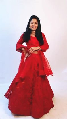 Deep Red Wedding Wear Lehenga Choli Let the Indian-ness show! Life is too short to blend in #lehengacholi #lehengadress #Partywear #usa #andaazfashion Heavy Lehenga, Anarkali Lehenga, Bridal Lehenga Choli, Indian Lehenga, Choli Designs, Lehenga Designs, Deep Red Wedding, Lehenga Choli Online, Indian Attire