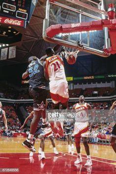 Dominique over Shaq Portable Basketball Hoop, Basketball Is Life, Basketball Legends, Sports Basketball, Basketball Players, Basketball Shirts, Basketball Pictures, Sports Pictures, Slam Dunk