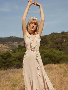 15 Sustainable & Eco-Friendly Wedding Dresses You'll Love Saying Yes To - Wedding Dresses - Ethically Made - Kids Wedding Dresses With Flowers, Sexy Wedding Dresses, Wedding Dress Bags, Sustainable Clothing, Sustainable Fashion, Sustainable Style, Sustainable Living, Slow Fashion, Ethical Fashion