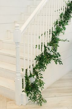 How to Have a Romantic White Barn Wedding in Texas Weding Decoration, Ceremony Decorations, Flower Decorations, Wedding Staircase Decoration, Ceremony Backdrop, Wedding Stairs, Wedding Aisles, Wedding Backdrops, Wedding Ceremonies