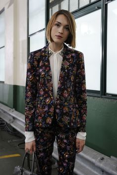 beautiful suit and collar detail via The Fashion Spot | London Fashion Week Street Style