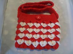 little girls shoulder bag Crochet Shoulder Bags, Crocodile Stitch, Pretty Hands, Girls Bags, Hand Crochet, Girl Birthday, Little Girls, Red And White, Stripes