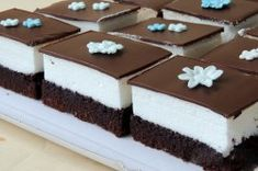 Krémový MUNCHMALLOW zákusek | NejRecept.cz Food And Drink, Pudding, Party, Puddings, Receptions, Parties