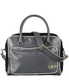 """Fred Perry - Damen und Herren Tasche """"Hold All""""  #meanswear #fashion #bags #engelhorn"""