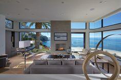 Minimalist modern living room surrounded by ocean in Laguna Beach CA[OS][1198x799]