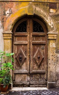 bellasecretgarden:Rome, Italy door