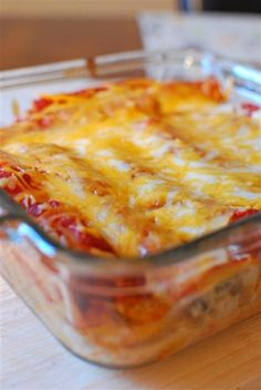 Slimming Eats Pasta Chicken Enchiladas - gluten free, Slimming World and Weight Watchers friendly Slimming World Dinners, Slimming World Diet, Slimming Eats, Slimming World Recipes, Skinny Recipes, Healthy Recipes, Chicken Enchiladas, Family Meals, Mexican Food Recipes