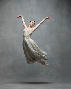 Hee Seo, Principal dancer with American Ballet Theatre - NYC Dance Project American Ballet Theatre, Ballet Theater, Ballet Beau, Royal Ballet, Contemporary Ballet, Dance Dreams, Dance Project, Ballet Photos, Poses References