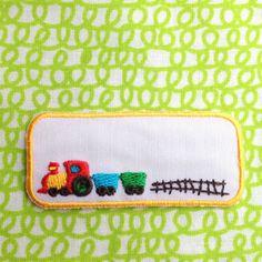 幼稚園や小学校への持ち物につけるネーム用ワッペンです。男の子の好きな汽車が刺繍されています。 W6XH2.5cm 1枚ポリエステル(アイロン圧着タイプです) ...|ハンドメイド、手作り、手仕事品の通販・販売・購入ならCreema。