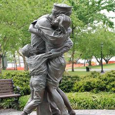 The Homecoming Statue - Monuments & Statues - Have a moment with The Homecoming Statue that depicts a sailor newly returned from deployment at San Diego Harbour