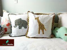 Almofada girafa e elefante