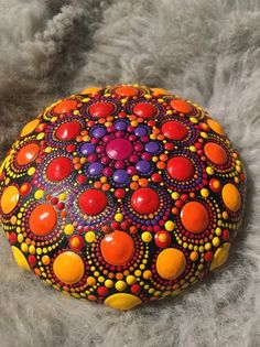 this creates a small, unique, hand-painted mandala stone Materials concrete, acrylic, protective lacquer The self-poured concrete stone … Mandala Art, Mandala Painting, Mandala Design, Mandala Painted Rocks, Mandala Rocks, Painted Stones, Dot Art Painting, Stone Painting, Ceramic Dog Bowl