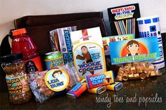 This Father's Day Star Wars Kit is sure to make dad happy. Filled with his favorite Star Wars characters, each snack item has a free printable. Star Wars Food, Theme Star Wars, Starwars, Star Wars Party Favors, Printable Star, Free Printables, Party Printables, Kit, Oh My Fiesta