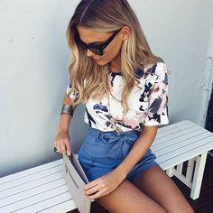 Summer preppy style idea <3 look inspiration for hot days : short + tops and sunglassse