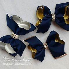 Fechando o sabadão com essas lindezas de laços no marinho !!    #lacarotes #lacosnobicodepato #marinho #laçosdeluxo #laços #maedemenina #feitocomamor ❤❤