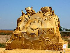 sand sculptures   Sand sculpture of Madagascar movie made in country Bulgaria, city of ...