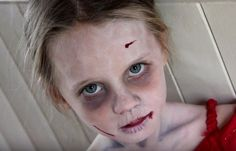 Everyone fancies AMC's The Walking Dead, even though the characters look pretty scary! Wouldn't you like to join the bandwagon of the zombie trend? Here are 12 incredibly creepy zombie makeup tutorials! Halloween Zombie, Zombie Kid, Halloween Make Up, Halloween Party, Halloween Ideas, Zombie Costumes, Halloween Halloween, Halloween Costumes, Kids Zombie Makeup