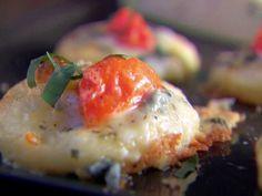PIzzette w/Gorgonzola, Tomato, and Basil, via Giada de Laurentis