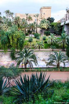 Palacio de Altamira desde el Parque Municipal de Elche.