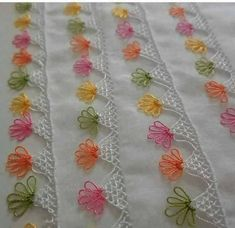 This Pin was discovered by Hül Crochet Borders, Crochet Chart, Filet Crochet, Crochet Stitches, Knit Crochet, Hand Embroidery Designs, Embroidery Kits, Crazy Quilt Stitches, Quilt Stitching