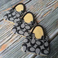 Designer Handbag Decorated Cookies by PumsSweets on Etsy Meringue Cookies, Royal Icing Cookies, Sugar Cookies, Shoe Cookies, Fancy Cookies, Coach Handbags, Coach Purses, Make Up Cake, Royal Icing Decorations
