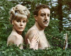 """Elke Sommer y Peter Sellers en """"El nuevo caso del Inspector Closeau"""", 1964"""