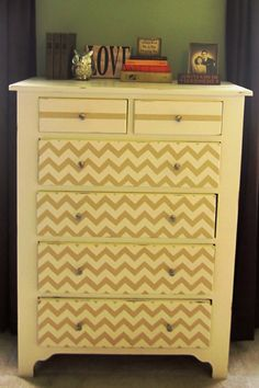 Cape Cod Creativity : Upcycling Furniture with Paint