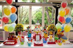 Festa Aquarela- Toquinho   Local: Casa de Fazer em Sousas          Festa infantil- Aquarela- Toquinho         Pirulito de chocolate      ...