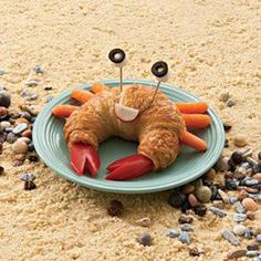 Crab croissant for kids' lunch Edible Crafts, Food Crafts, Cute Food, Good Food, Yummy Food, Tasty, Crab Sandwich, Croissant Sandwich, Sandwich Ideas