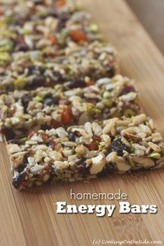 Maintain and restore your energy at these all day long events! Homemade Energy Bars -- easy and tastes better than store-bought. Make a batch for the week or the day for you and friends. Protein Bar Recipes, Protein Snacks, Healthy Snacks, Snack Recipes, Healthy Eating, Cooking Recipes, Healthy Recipes, High Protein, Healthy Breakfasts