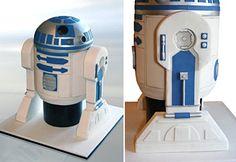 iphone cake,wii cake,R2D2 Cake,pacman cake,Super Mario Cake