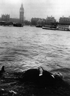 Alfred Hitchcock [a dummy of Hitchcock] floating down the River Thames :: for the Frenzy [1972] trailer