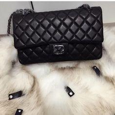 74 melhores imagens de Bolsas   Couture bags, Shoes e Beige tote bags 5614e53330