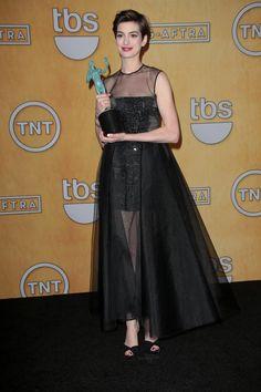 Anne Hathaway Wins SAG Award, Wears Vegan Jimmy Choo Shoes